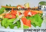 Pesto soslu avokadolu somon füme