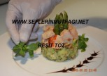 Enginar salatası üzerin de ıstakoz