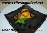 Cheddar peynirli deniz tarağı mısır polenta