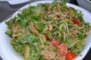 Şehriyeli semiz otu salatası
